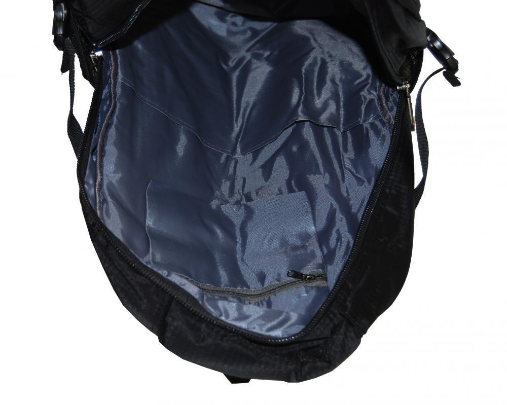 Větší batoh NEWBERRY do školy i na sportování L1911 černý New Berry E-batoh 6e1832cf41