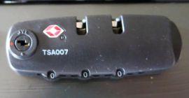 Cestovní kufr ABS-PC T-Class 5001 s TSA GOLD malý S E-batoh