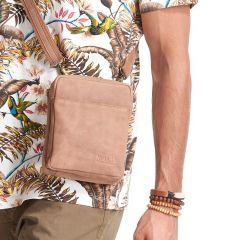 WILD Kožená pánská crossbody taška hnědá 16x20x7 cm E-batoh