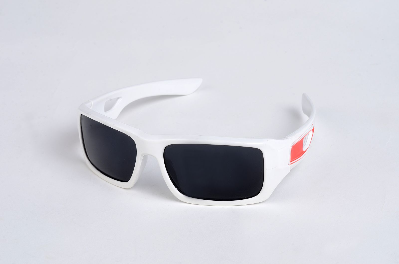 Polarizační DĚTSKÉ brýle bíle P4484 E-batoh